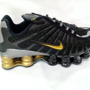Nike Shox 12M Preto Dourado1